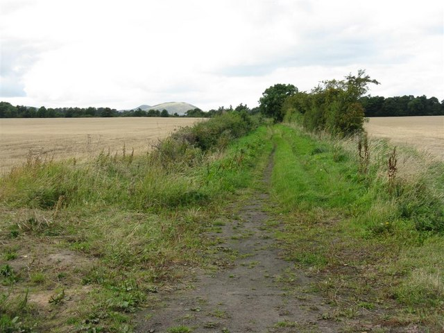 Farm lane, looking back to Dalhousie Chesters