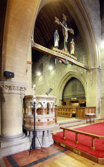 All Saints, Perry Street, Northfleet, Kent - Pulpit & rood