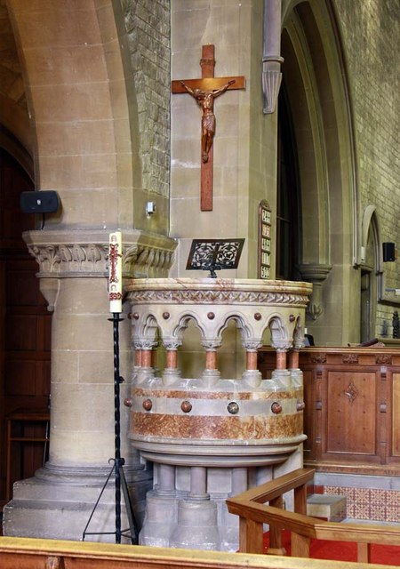 All Saints, Perry Street, Northfleet, Kent - Pulpit