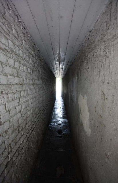 Passage off High Street