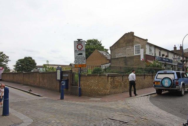 Manor Road, Gravesend