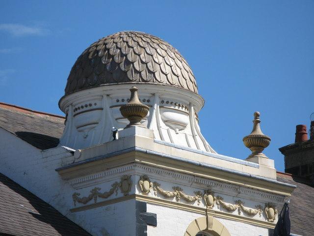 Dome on the Royal Hotel, Priestpopple