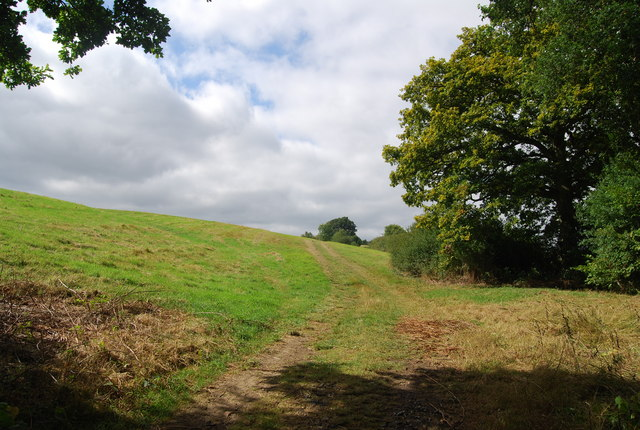 Tunbridge Wells Circular Path heading to Bayhall Farm