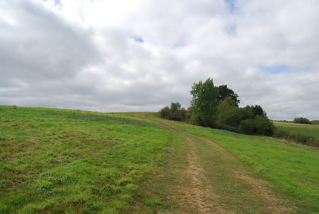Tunbridge Wells Circular Path heading uphill to Little Bayhall