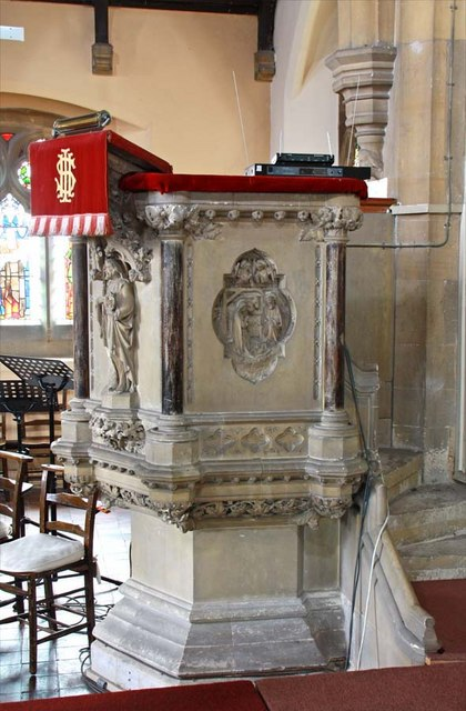 St Mary, Greenhithe, Kent - Pulpit
