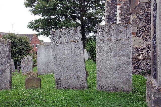 St Mary, Stone, Kent - Churchyard
