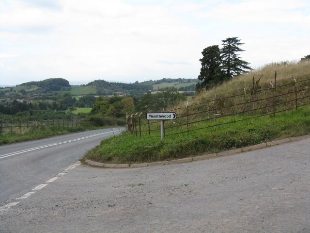 Menithwood Junction, A443