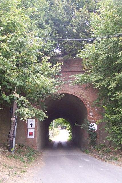 Railway bridge in Nickle Farm
