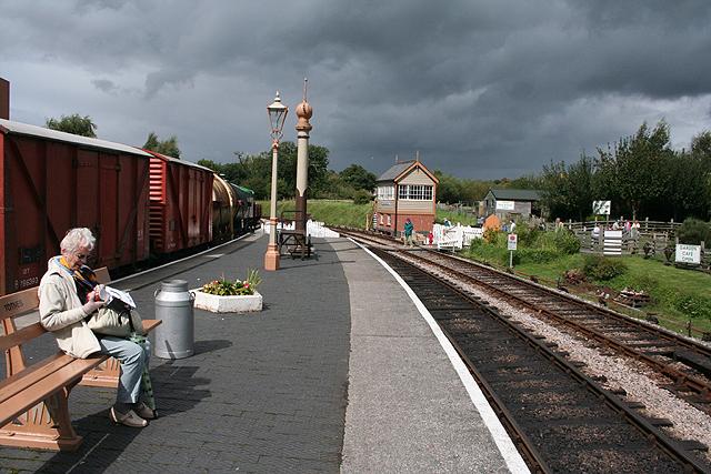 Littlehempston: Totnes Riverside station