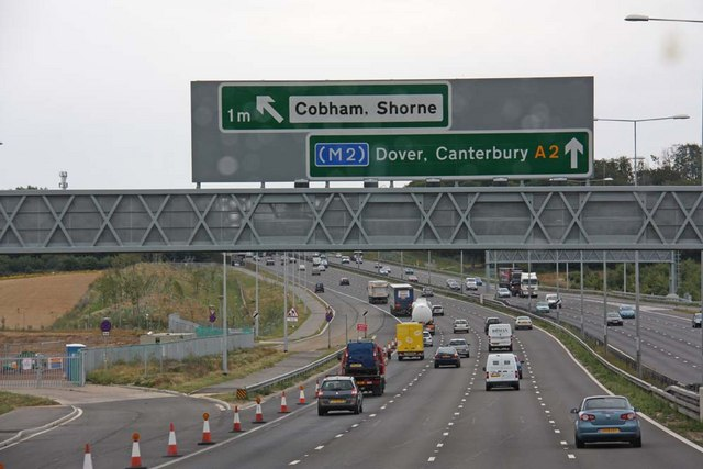 Sign to Cobham & Shorne