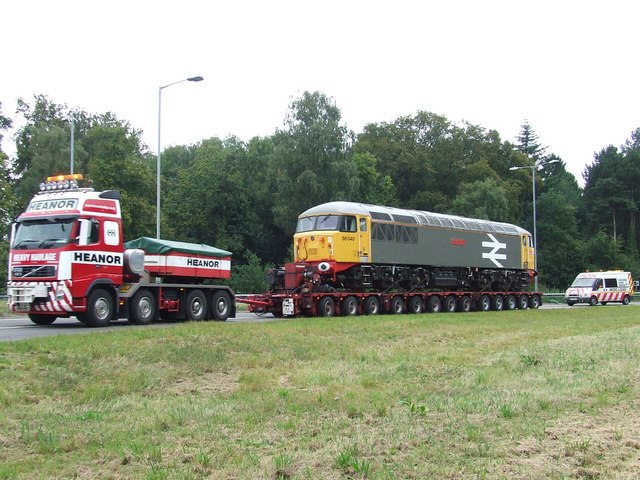 Heavy Haulage And Its Escort Vehicle