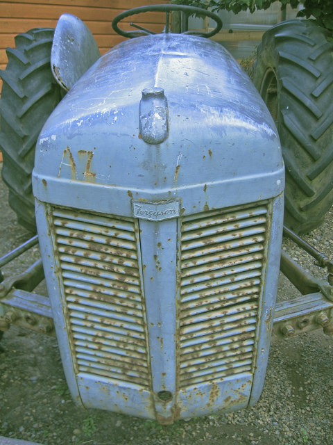 Ferguson Tractor, Brock Bushes