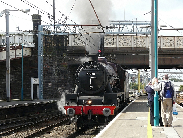 Steam locomotive 5690 Leander