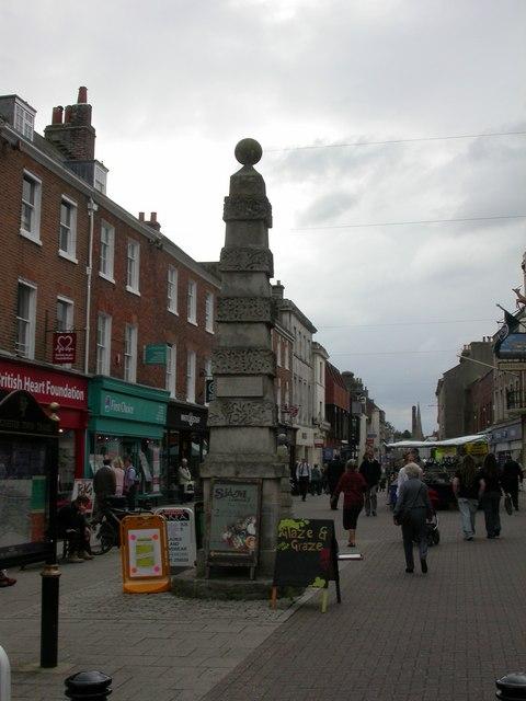 Dorchester, obelisk