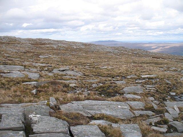 Summit area, An Lèan-Chàrn