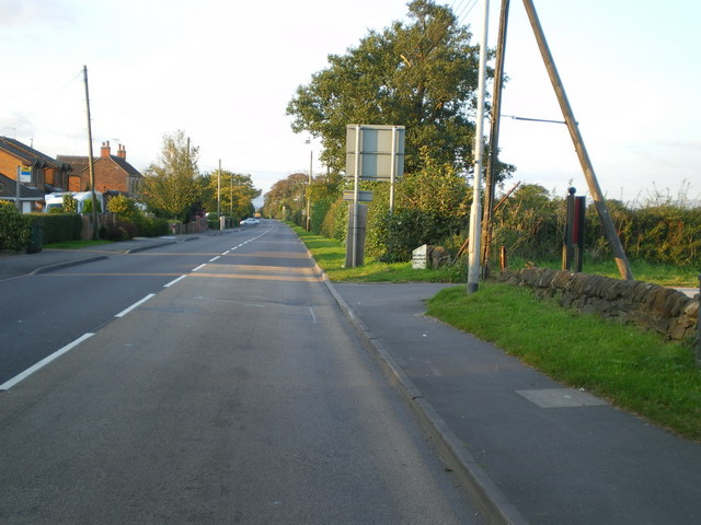 The Cellarhead milepost in its setting