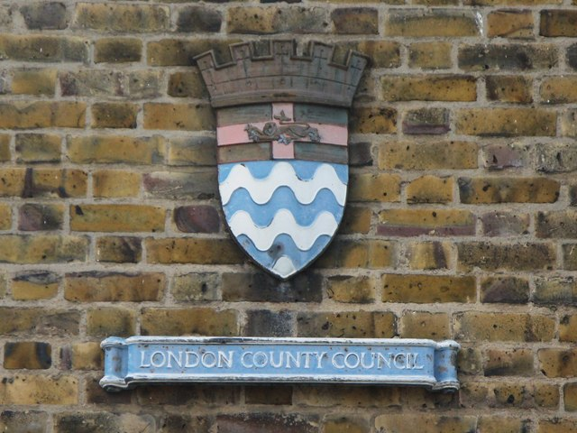 Old LCC plaque on Norris House, Dragoon Road, SE8