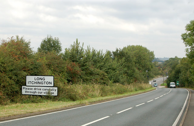 Looking north along the A423 road towards Long Itchington