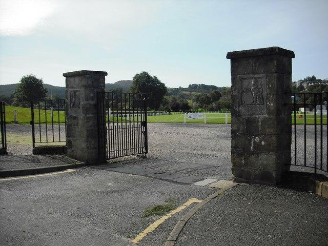 King George V gate piers