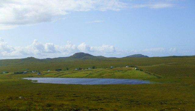 Across the moor to Ruadh Loch