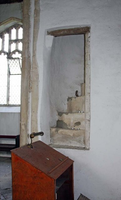 All Saints, Snetterton, Norfolk - Rood stairs