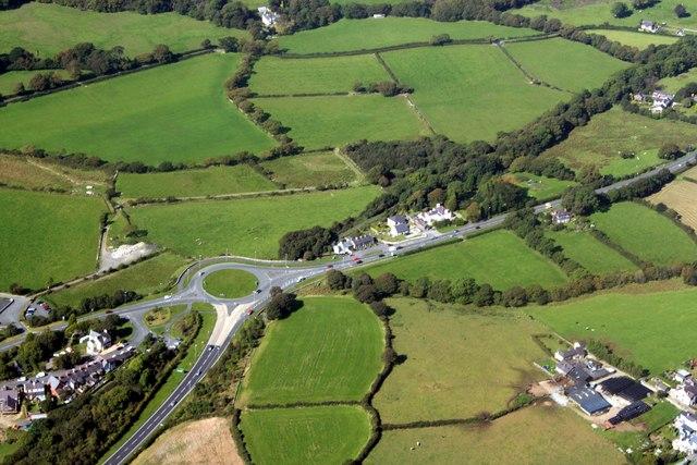 The A487 near Llanwnda
