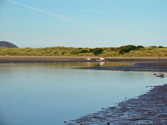 Nyfer estuary and the Bennett dunes, Newport