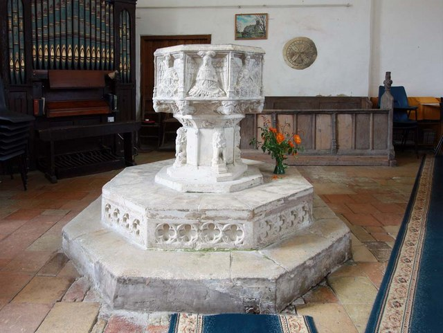 St Margaret, Hardley Street, Norfolk - Font