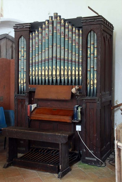 St Margaret, Hardley Street, Norfolk - Organ