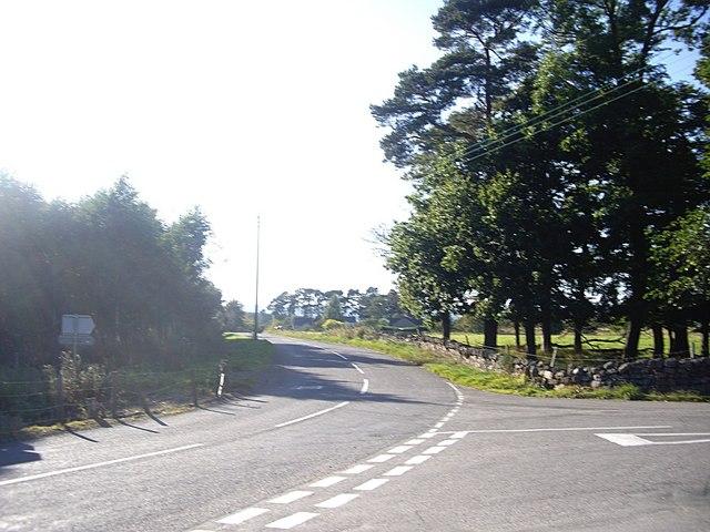 Staggered crossroads near Feughside Inn