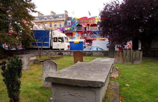 St Giles Church graveyard in Oxford