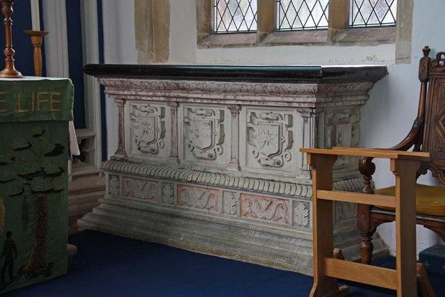 Holy Trinity, Loddon, Norfolk - Tomb chest