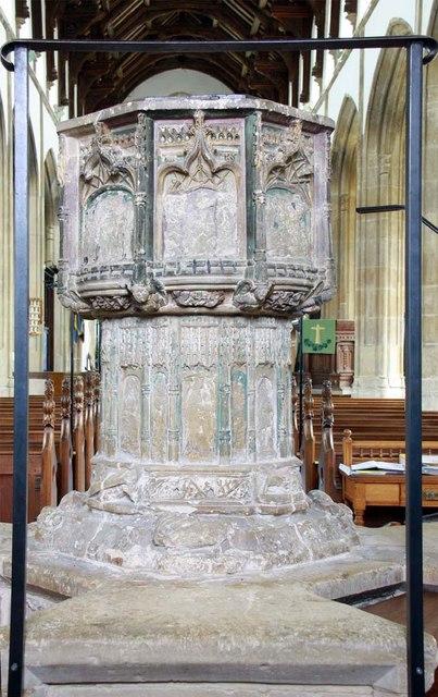 Holy Trinity, Loddon, Norfolk - Font