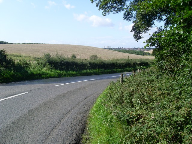Approaching bend on Langmuirhead Road