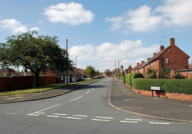 Essex Road, Woodside