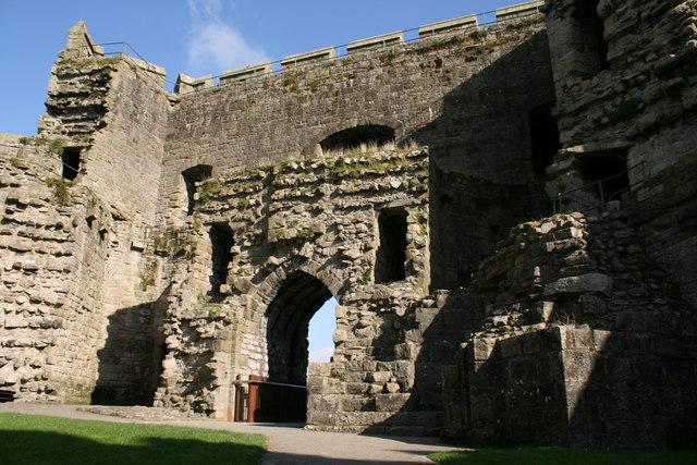 Queen's Gate, Caernarfon Castle