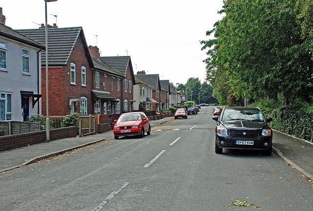 Avenue Road, Woodside