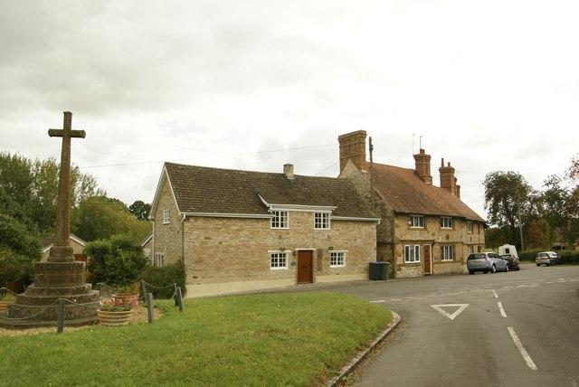 Village cross, Butler's Marston