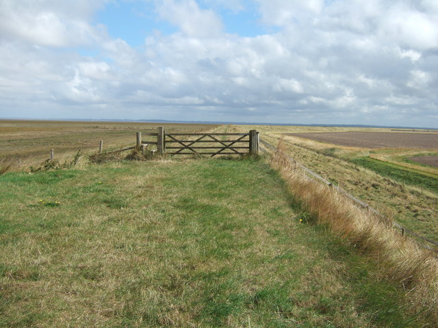Gate on the sea bank of The Wash
