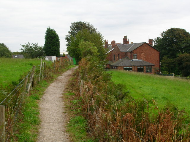 Footpath into Appley Bridge