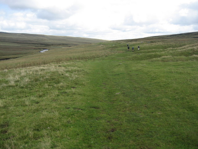 Pennine Way below Murton Herds