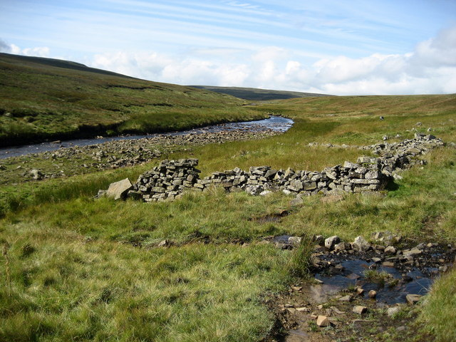 Wall Remnant beside Maize Beck