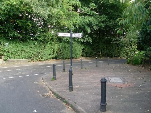 Fingerpost in Thorntonhall