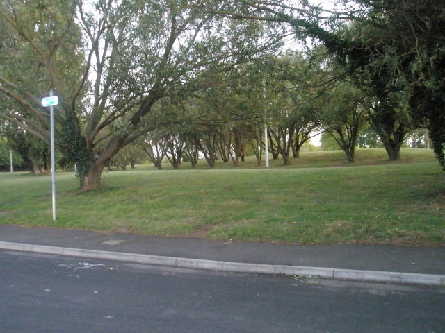 Grassy area between Northarbour Road and Western Road