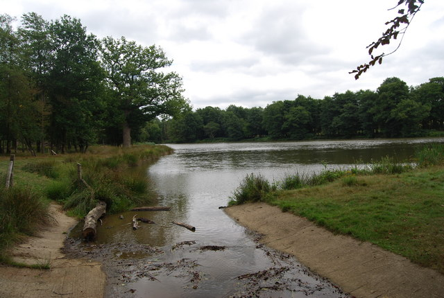 Outlet to a small lake on the edge of Eridge Park