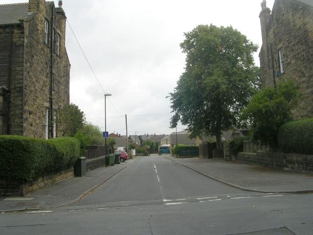 St Andrew's Grove - St Andrew's Avenue