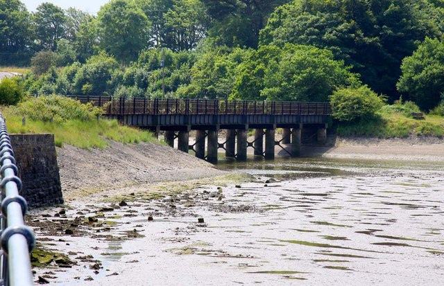 Former railway bridge over Fremington Pill