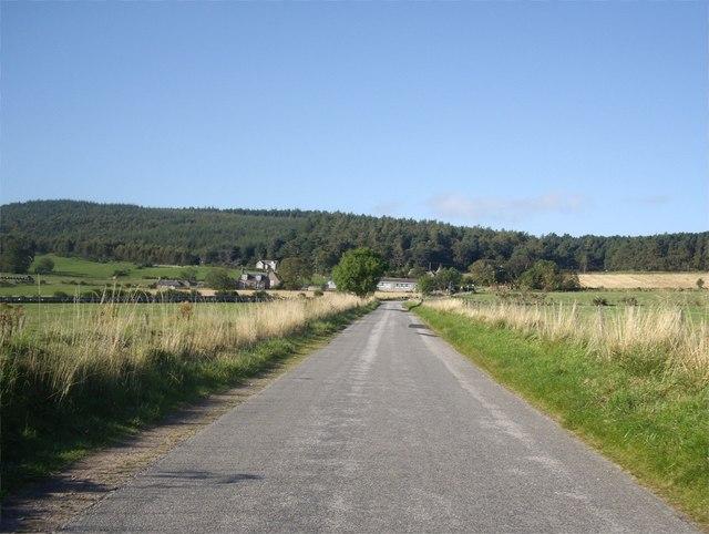 Approach to Finzean School
