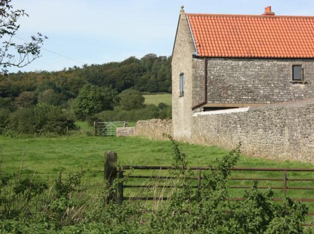 2009 : Beacon  Farm with Beacon Hill