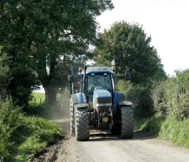 2009 : Tractor driven on Yellingmill Lane